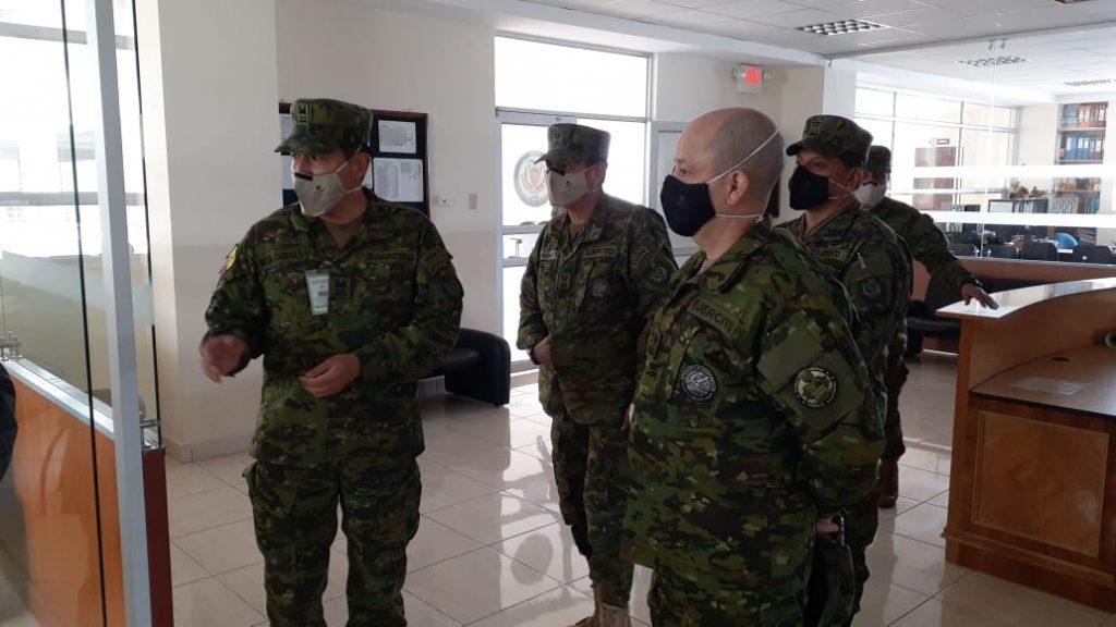 Rector ESPE visita dependencias Sede Latacunga